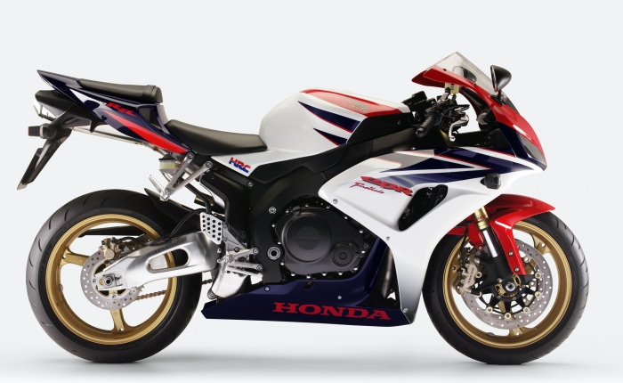 motorcycle designer freelance contract project work experienced Honda motorcycle design - Honda CBR1000RR Fireblade