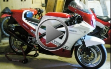 Ducati 851 tricolore 1988 for rental hire classic motorcycle touring - Filming